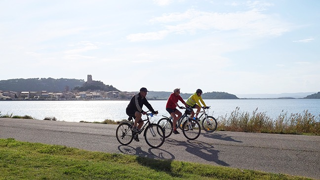 Cyclists at Guissan
