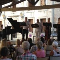 Singers at the Blanc et Noir piano festival Blanc et Noir piano festival