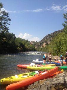 Tentez l'aventure avec le kayak à Roquebrun