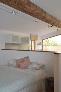 La chambre du «Pool View Studio» avec son lit king size